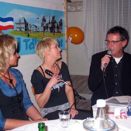 Karsten Jasper befragt Anja Bublitz zu ihrer Gesangskarriere